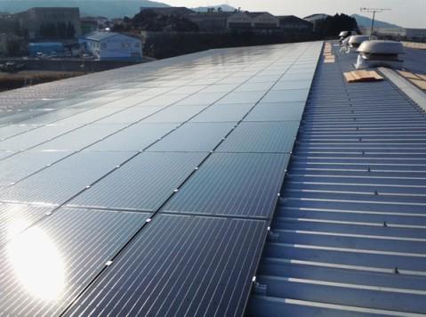 格瑞士为日本屋顶光伏电站提供彩钢瓦支架系统